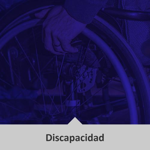 Mano de hombre en silla de ruedas, sosteniendo el disco de ésta, todo en tonos azules. Temática: Discapacidad